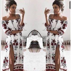 Dresses & Skirts - Floral off shoulder boho maxi dress with slit